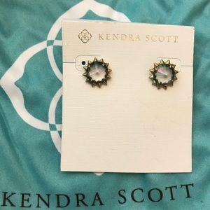 Kendra Scott Irene earrings!